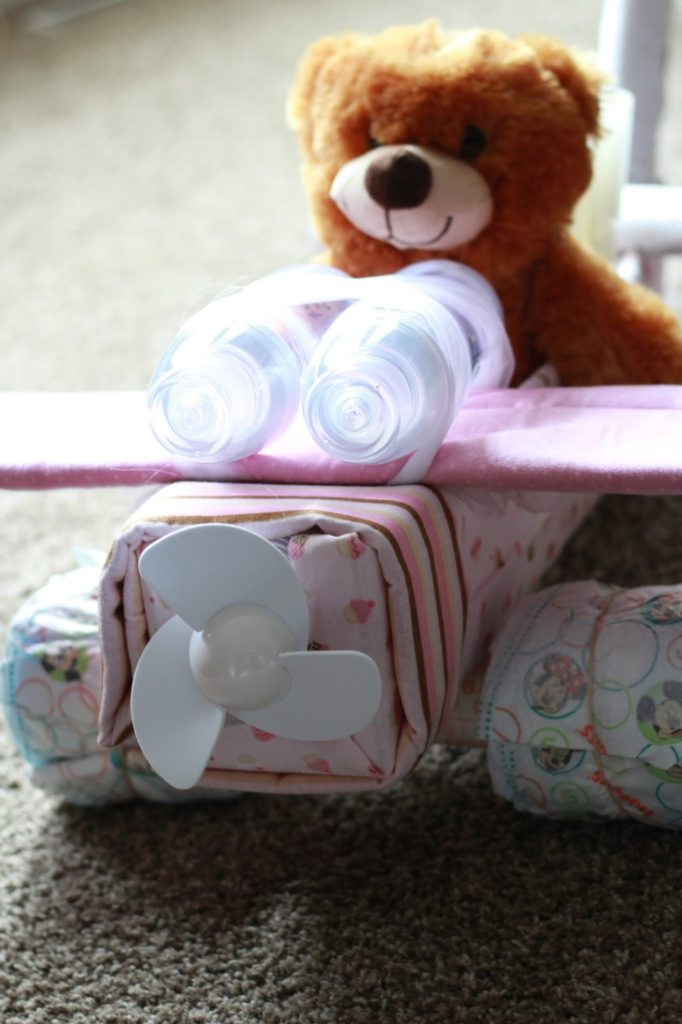 diy-airplane-diaper-cake