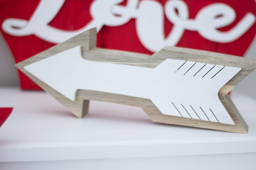 easy farmhouse inspired wooden arrow