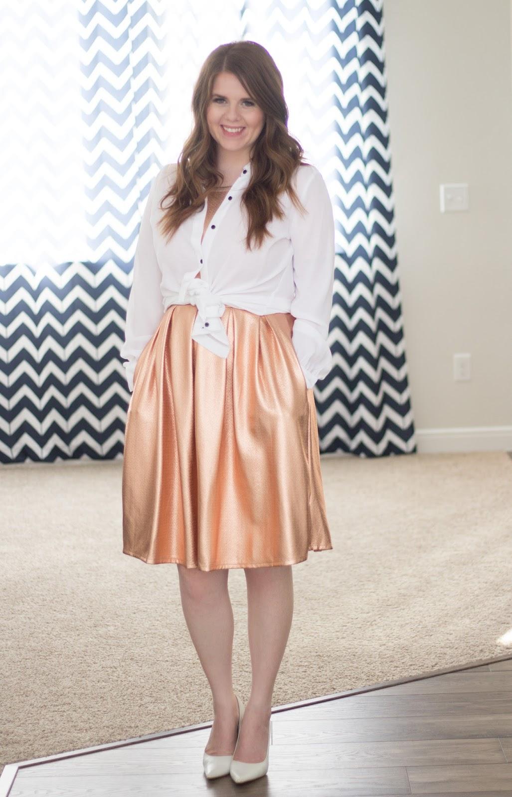 Golden Skirt graphic