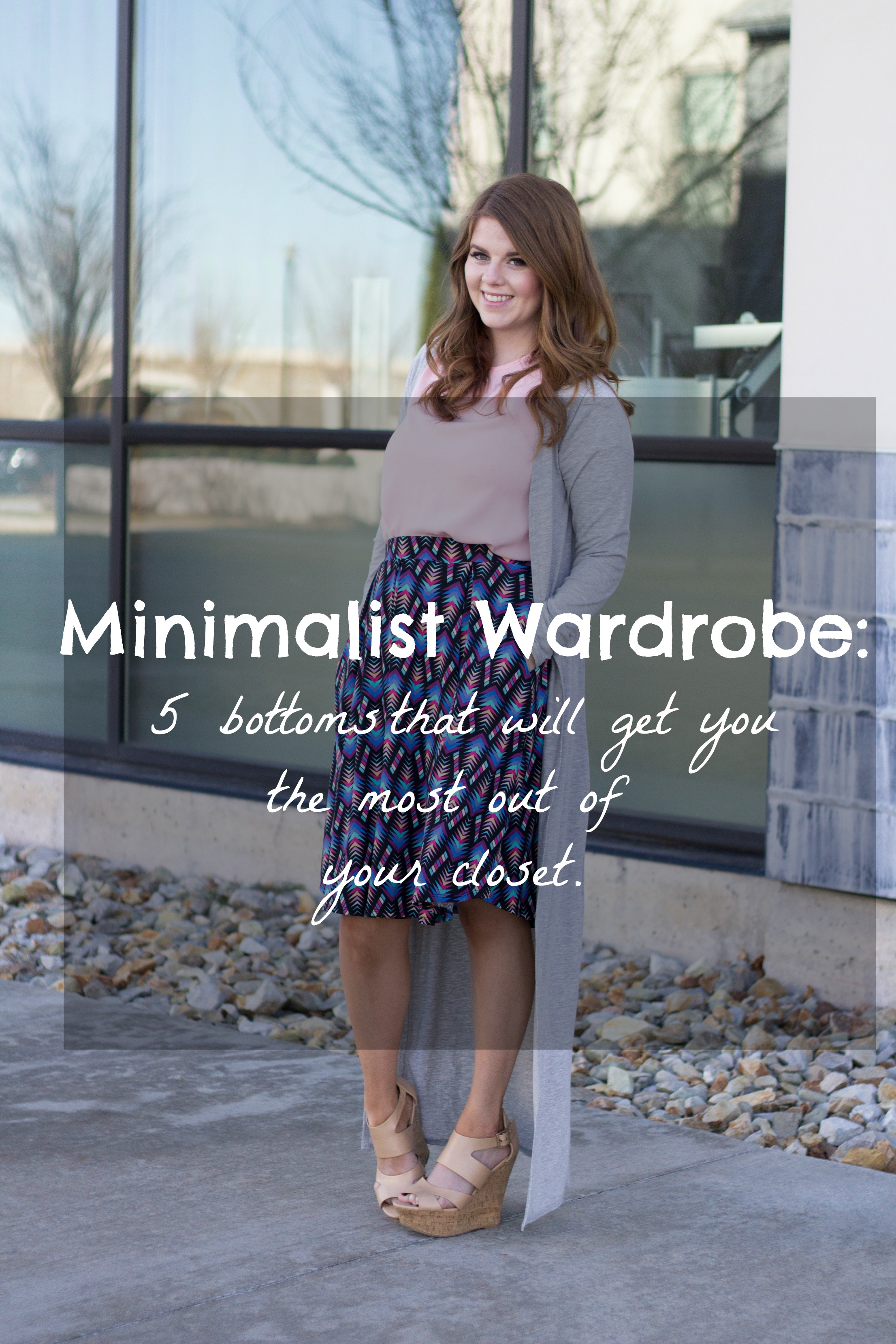 Minimalist Wardrobe: 5 Bottoms for your Minimalist Wardrobe graphic