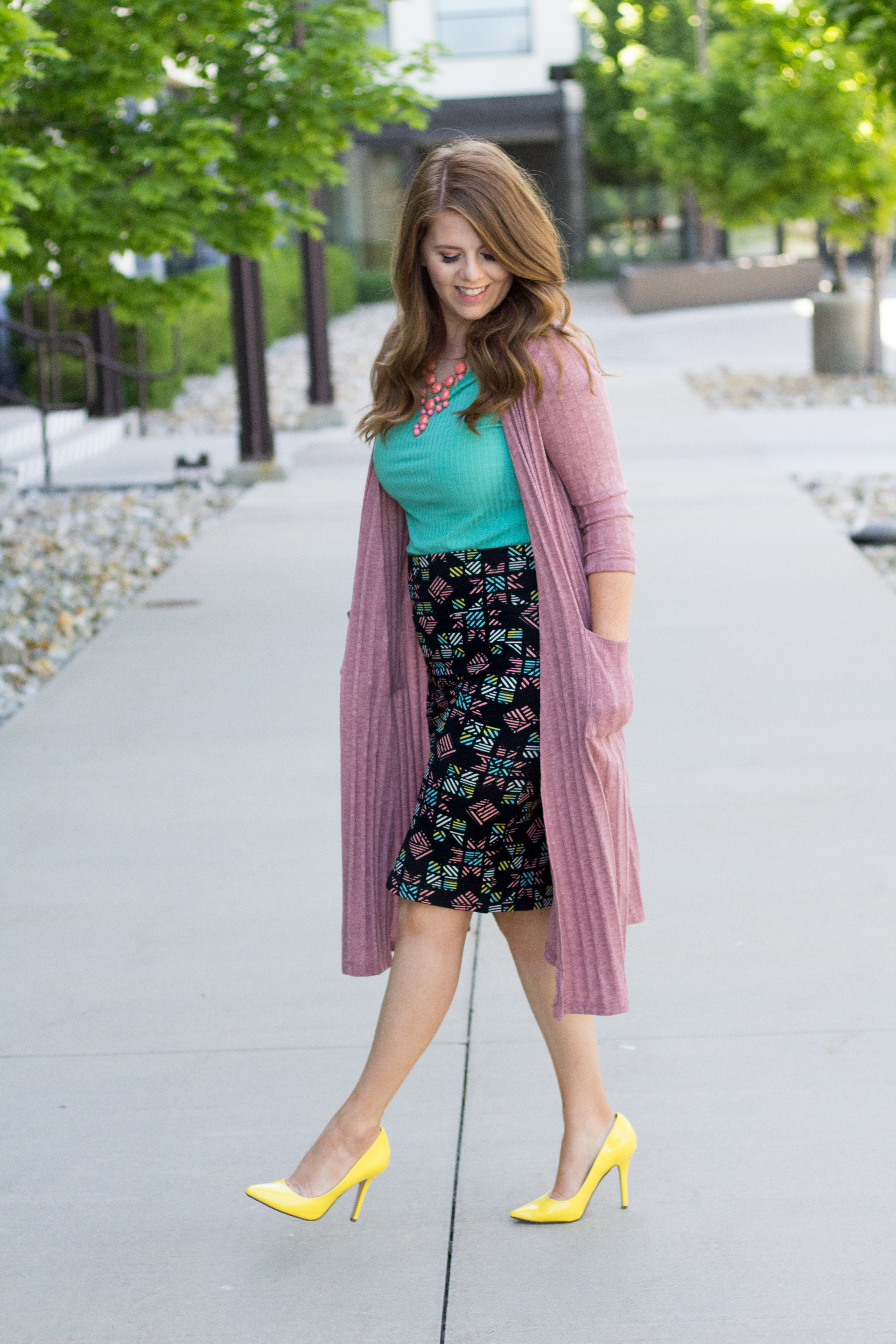 One Outfit Two Skirts: Pencil Skirt graphic
