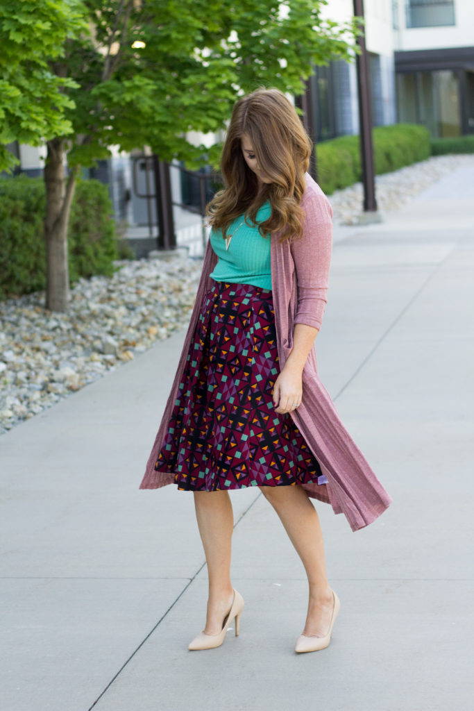 One Outfit Two Ways: Midi Skirt, Duster Cardigan & a tee.