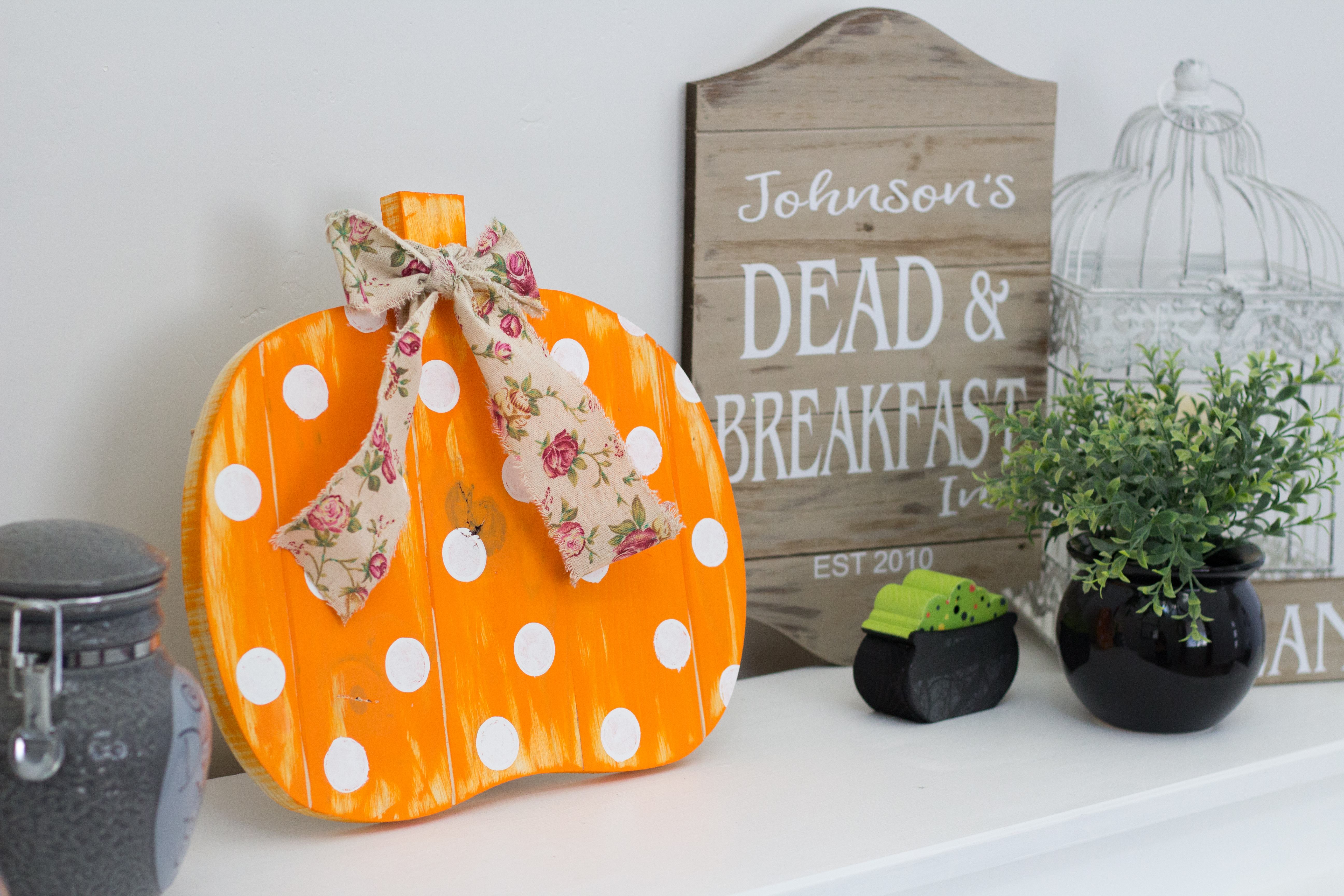 Fall Polka Dot Pumpkin DIY graphic