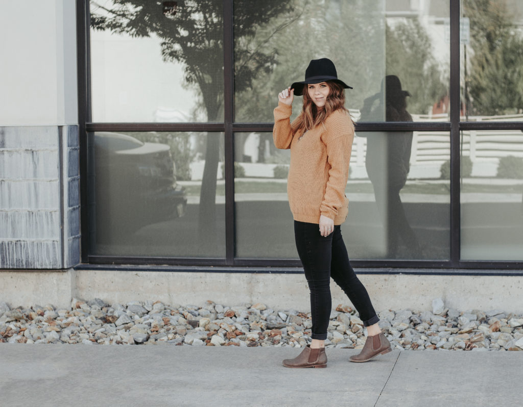 Easy Fall Outfit: Yellow Lace up sweater