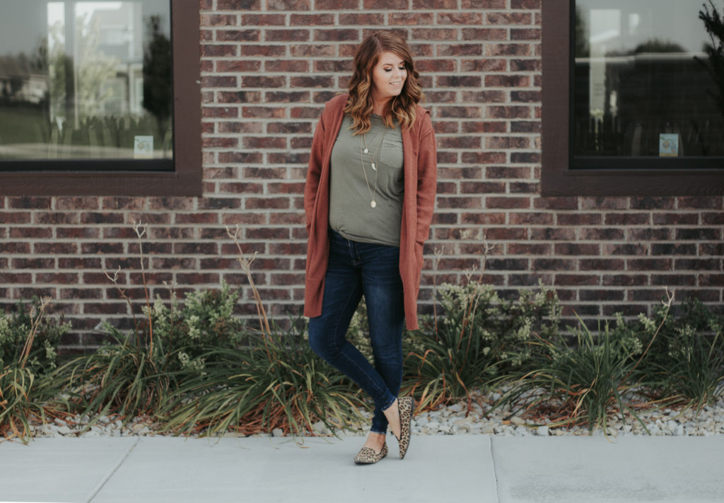 How to mix colors for fall: Fun colorful fall outfits