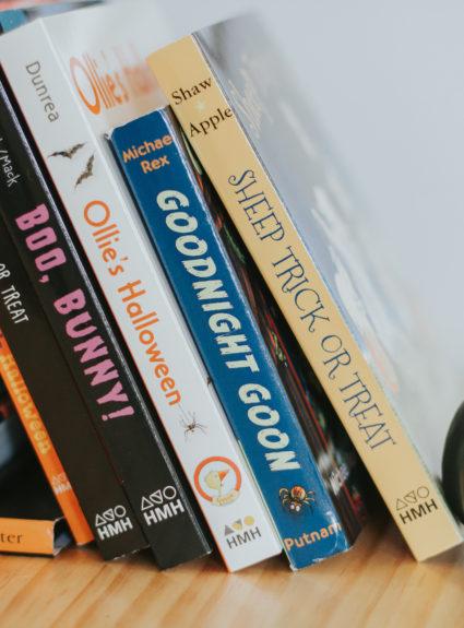 Happy Halloween: Books to Read to your Kids Halloween Night
