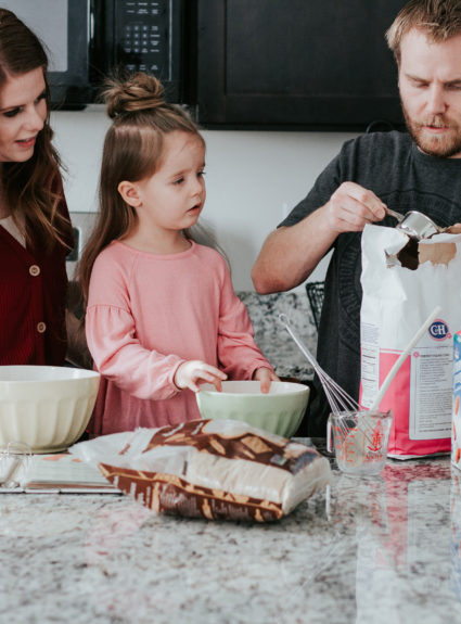 New Years resolution #2: Sticking to a healthy family dinner (How to get the kids involved)